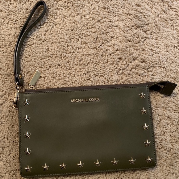 Michael Kors Handbags - michael kore wristlet wallet